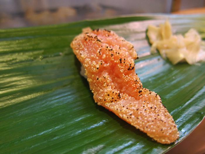 明太子を軽く炙ったにぎり 藪sou鮨・旬の魚